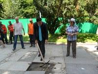 """Кметът даде старт на археологическите разкопки на площад """"Централен"""""""