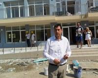 Кметът Иван Тотев инспектира изграждането на Общностния център