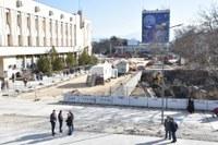 """Кметът Иван Тотев инспектира реконструкцията на площад """"Централен"""""""