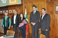 Кметът Иван Тотев отличи златната медалистка от Младежката олимпиада Лидия Ненчева