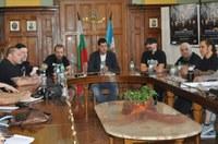 Кметът Иван Тотев посрещна музикантите Paradise Lost за  уникалния им концерт на Античния театър