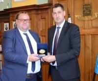 Кметът Иван Тотев посрещна в Пловдив македонския министър на културата Роберт Алагьозовски