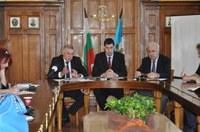 Кметът на Шънжън води мегакомпании на Българо-Китайски бизнес форум