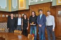 Кметът Тотев посрещна световната шампионка Станилия Стаменова и легендата Николай Бухалов