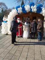 Коледната къщичка на ГЕРБ в центъра на Пловдив отвори врати