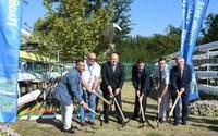 Президентът на МОК Томас Бах направи символична първа копка за втория гребен канал в Пловдив