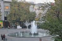 Ред в рекламите по Главната улица в Пловдив