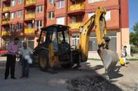 Ремонтират разбита улица в центъра на Пловдив