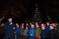 С много настроение и фойерверки запалиха светлините на  елхата в Пловдив