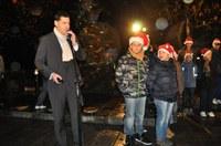 Запалиха светлините на празничната украса и елхата в Пловдив