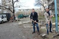 """Започна изграждането на голям общински паркинг в район """"Източен"""""""
