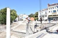 """Започна поставянето на колоните на Римския форум, кметът Иван Тотев инспектира изграждането на площад """"Централен"""""""