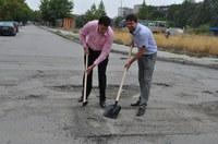"""Започнаха мащабни ремонти на улици в район """"Южен"""""""